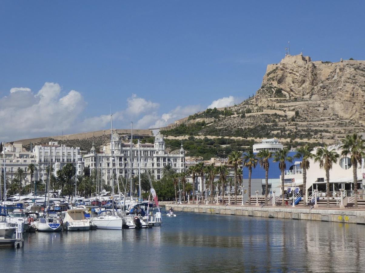 Encuentra o vende tu casa en Alicante